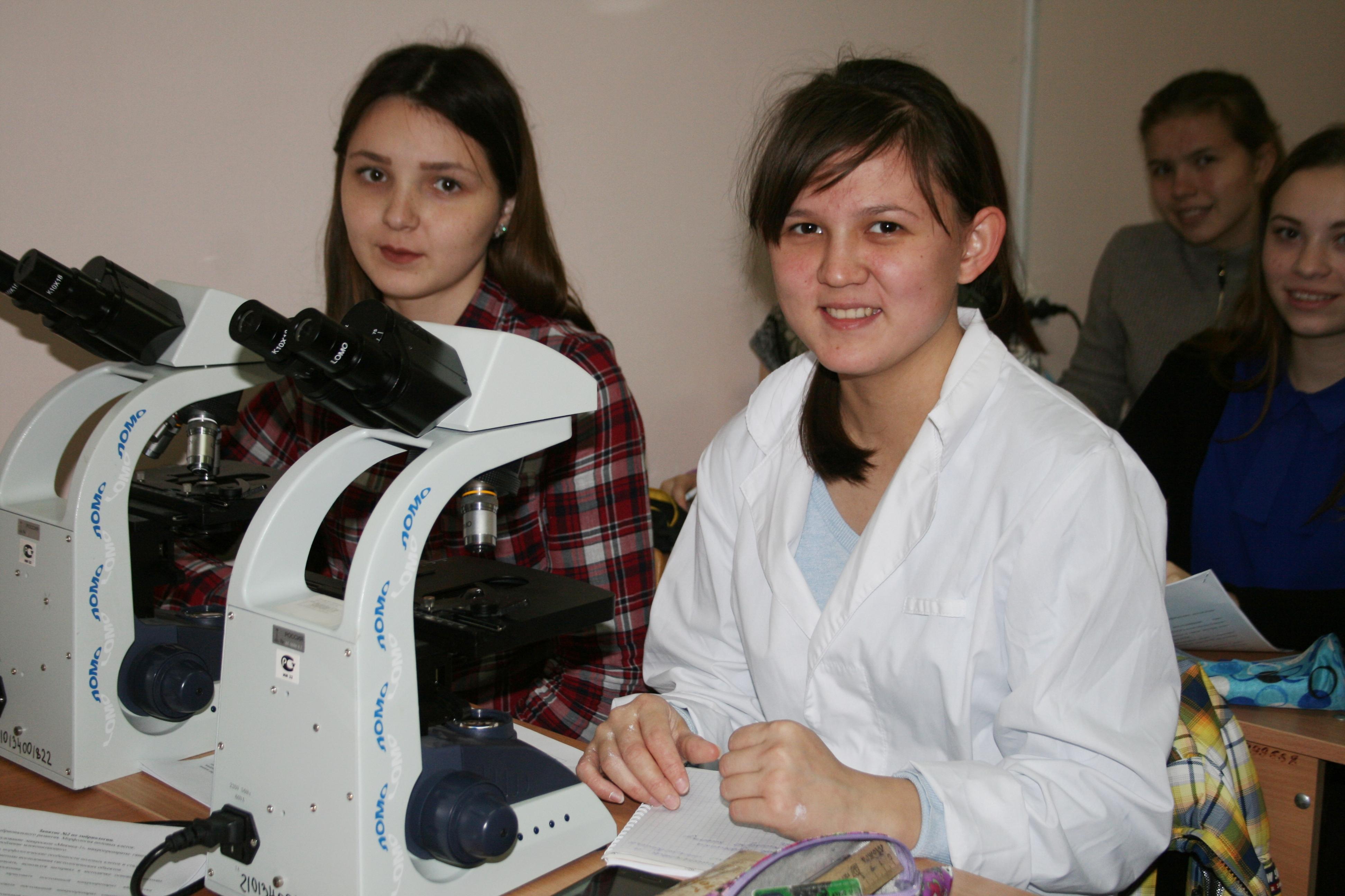 В СФ БашГУ обучают школьников биомедицине